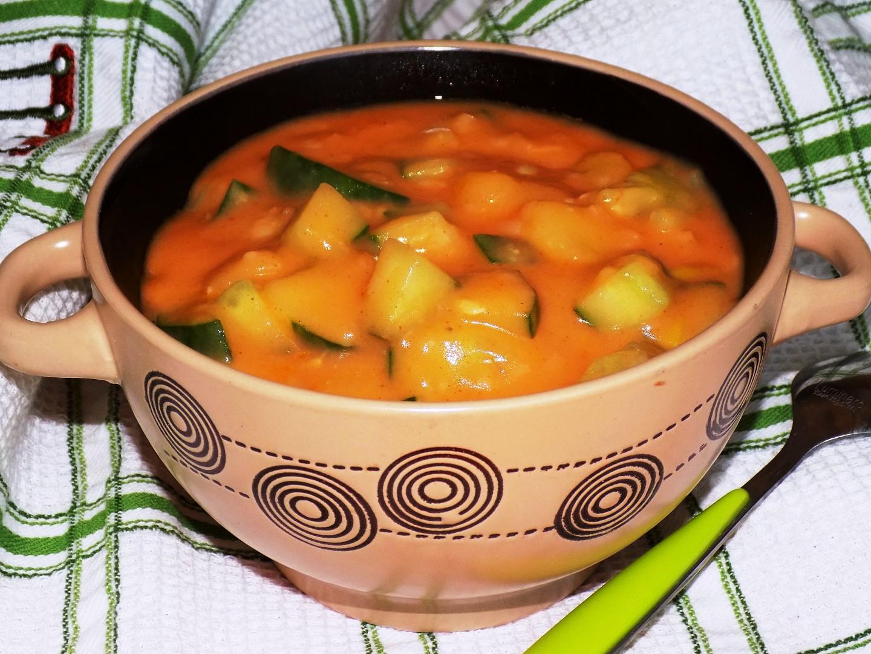 Okurkovo  bramborový guláš recept