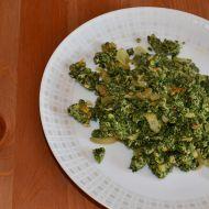 Špenát s kari a chilli recept