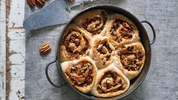 Bramborový koláč s ořechovou náplní