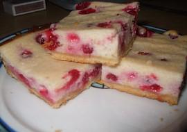 Krupicový koláč s tvarohem a ovocem ( rybízem ) recept ...