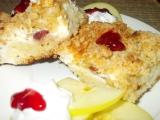 Vláčný koláč s tvarohem, brusinkami a jablky recept