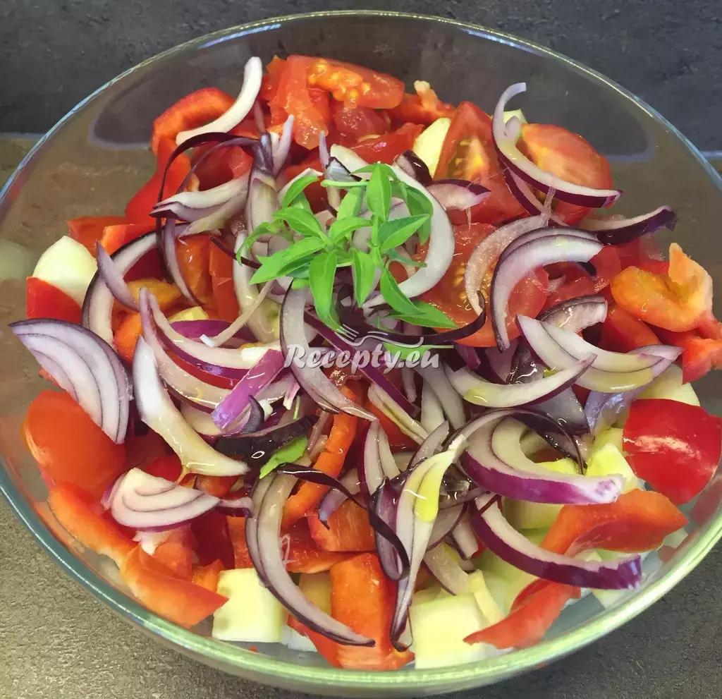 Jarní zeleninový salát recept  saláty