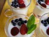 Jogurtový pohár s jahodami recept