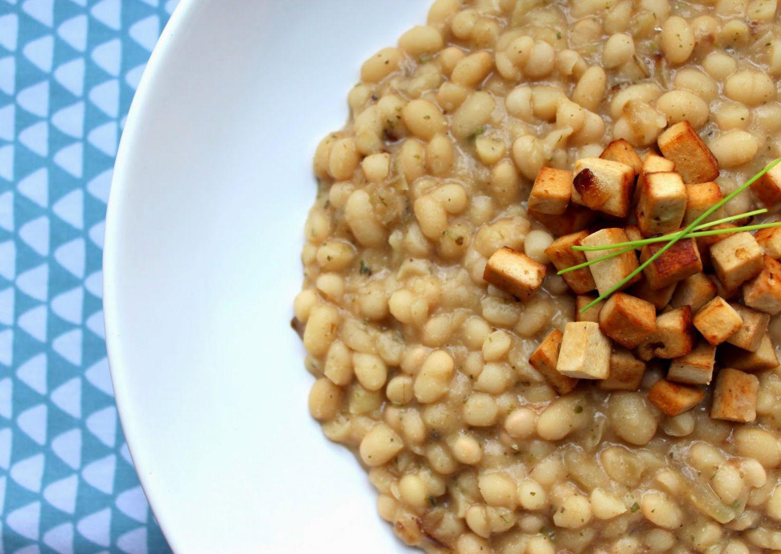 Bílé fazole s uzeným Šmakounem recept