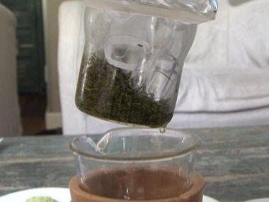 Studenej nápoj se zeleným čajem