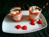 Jahodový pohár z tvarohu a zakysané smetany recept