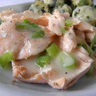 Steak z lososa s krémovou omáčkou recept