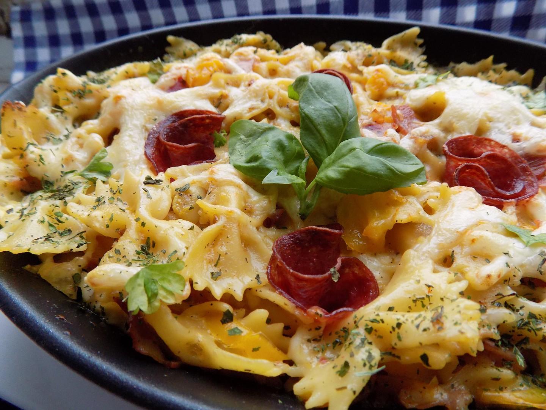 Pečené (nevařené) těstoviny se šunkou a sýrem recept ...