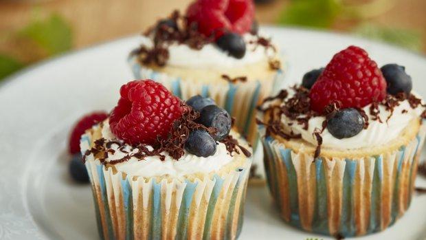 Cupcake s tvarohem a borůvkami