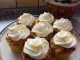 Cizrnové cupcakes s jablky a citronovým tvarohem recept ...