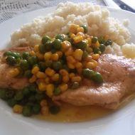 Kuřecí plátek na másle se zeleninou a kuskusem recept