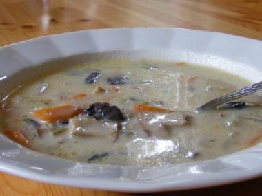 Houbová polévka s jíškou