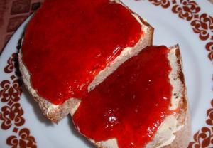 Jahodová marmeláda (džem)