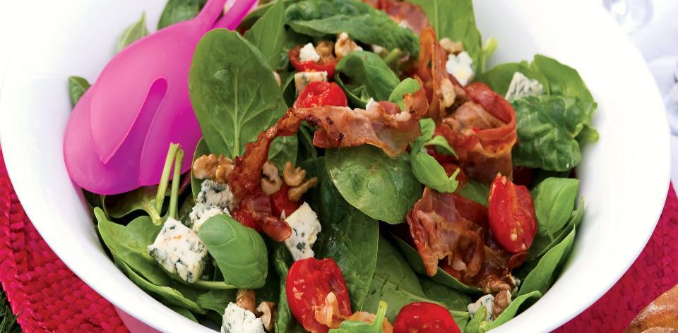 Špenátový salát s nivou