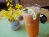 Mrkvový nápoj s bílou ředkví,chřestem a zázvorem recept ...