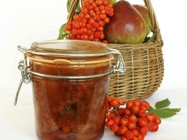 Jeřabinový džem s hruškami