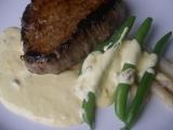 Marinovaný steak s kaparovou omáčkou recept
