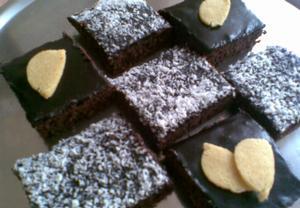 Kakaový koláč ze sojových suků s polevou