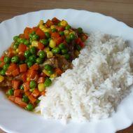 Pikantní kotlety v barevné zelenině recept