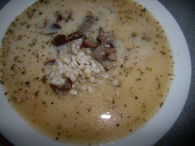 Polévka z uzeného kolene a krup