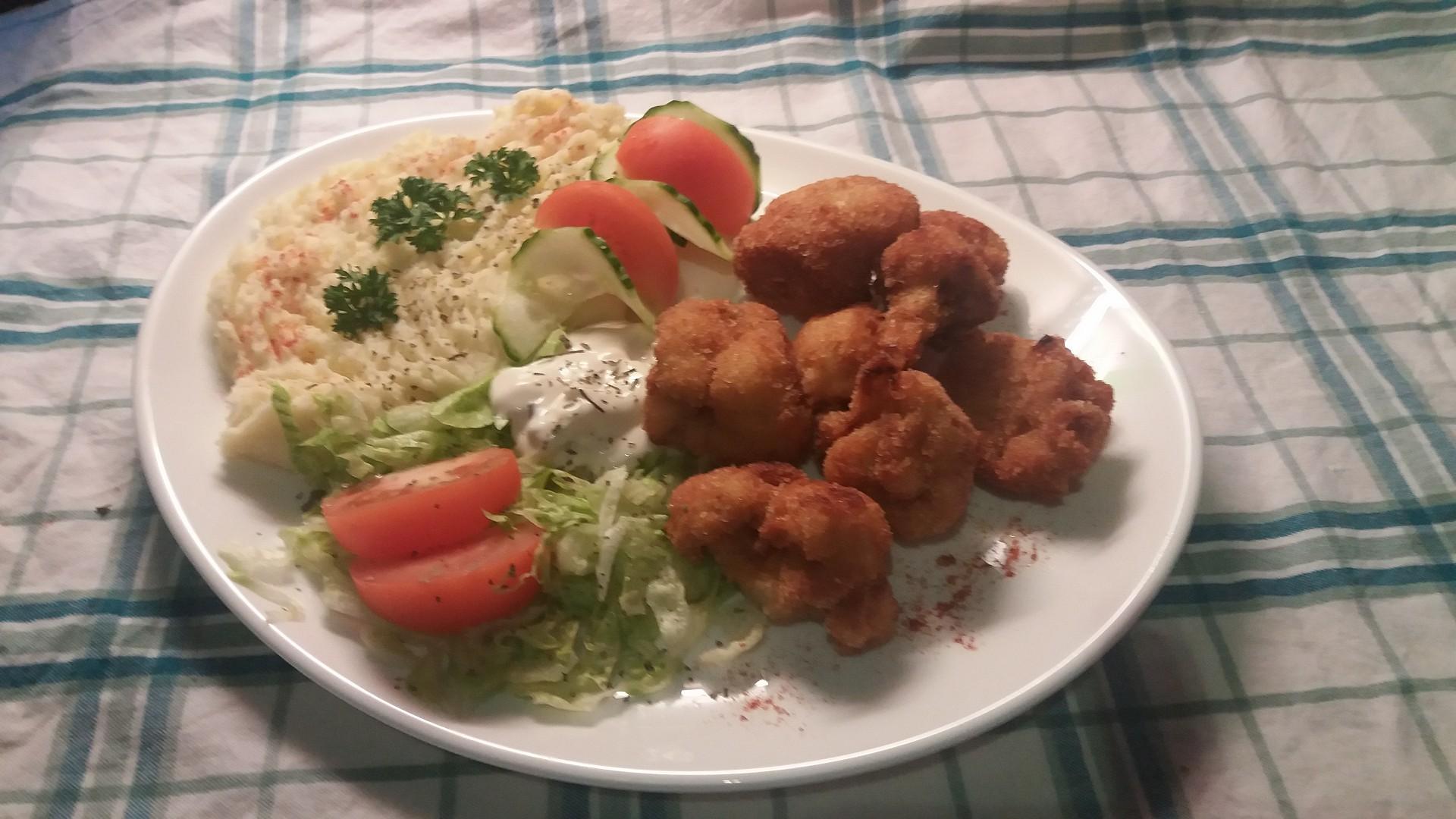 Smažený květák s bramborovou kaší a čerstvou zeleninou recept ...