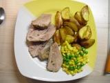 Pečená krůta s pečenými brambory a dušenou zeleninou recept ...