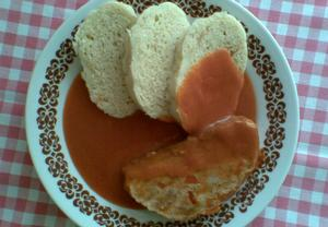 Paprikovo-rajská omáčka s paprikovou sekanou