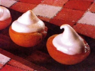 Grilované meruňky se sněhovou čepičkou