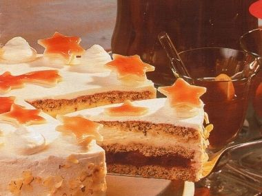Vánoční marcipánový dort s višňovou náplní