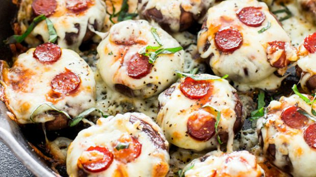 Plněné žampiony à la pizza pepperoni