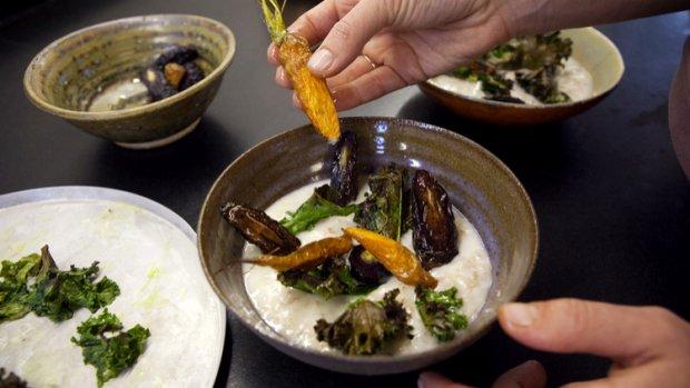 Brynzová kaše s pečenou mrkví
