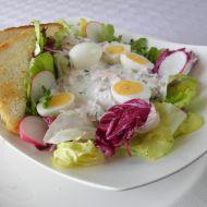 Ředkvičkový salát se šunkou a křepelčími vejci recept