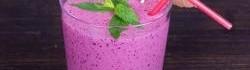 Borůvkový zmrzlinový koktejl