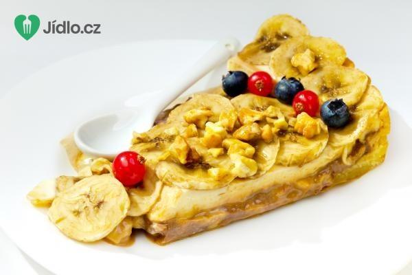 Banánový moučník s ořechy recept