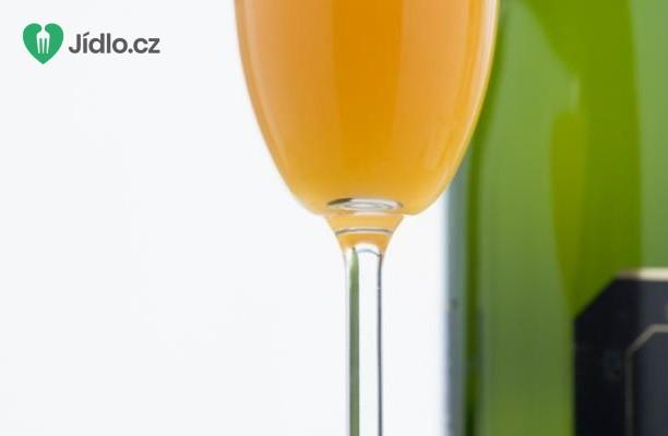 Bellini koktejl recept