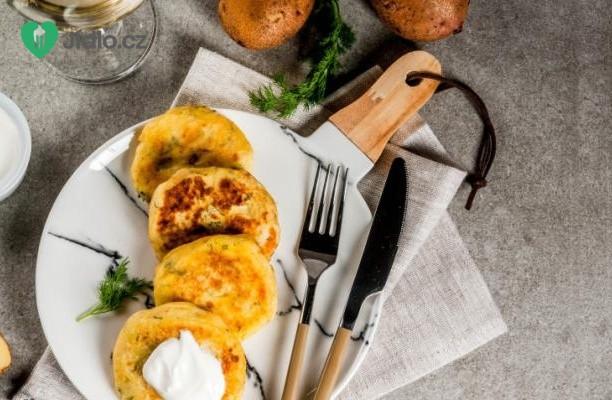 Bramborové placičky se sýrem recept