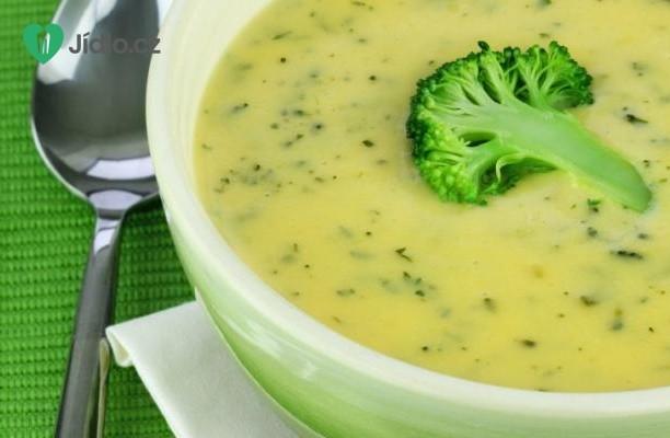 Brokolicová polévka s parmezánem recept