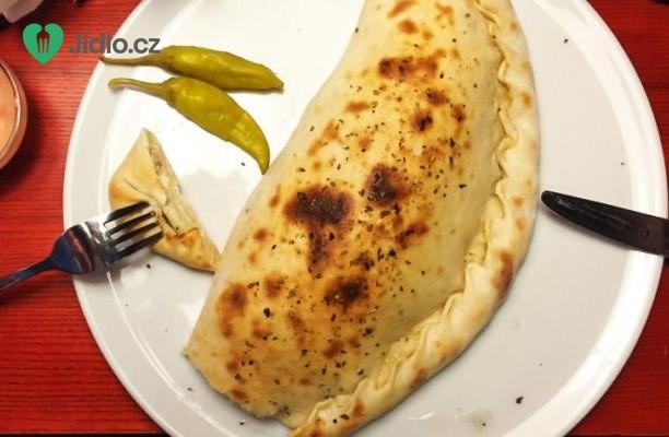 Calzone - plněná pizza recept