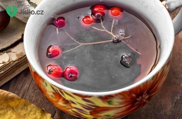 Chutný čaj z černé jeřabiny recept