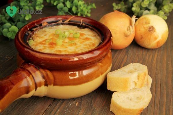 Cibulová polévka od babičky recept