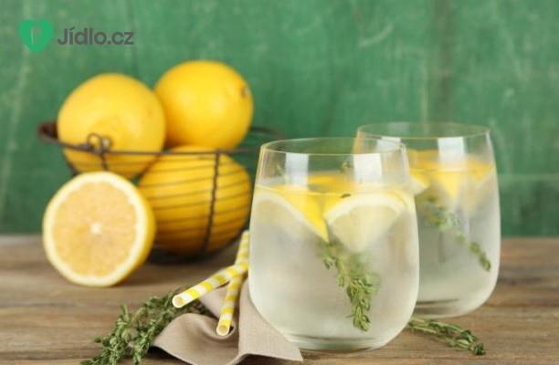 Citronová limonáda s tymiánem recept