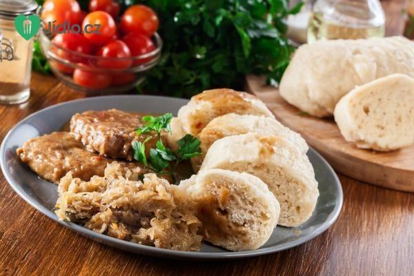 Domácí houskový knedlík se sušeným droždím recept