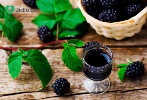 Domácí ostružinový likér recept