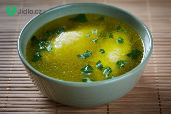 Drůbeží polévka s krupicovými nočky recept