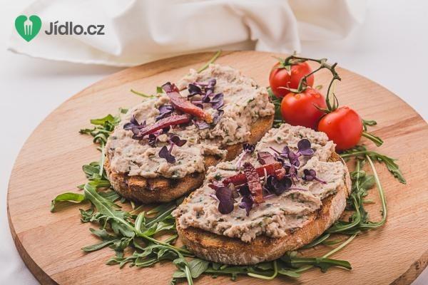 Fazolová pomazánka s provolone piccante z La Formaggeria Gran Moravia recept