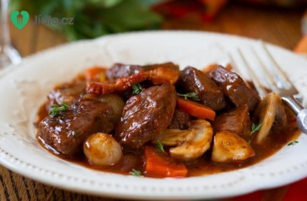 Francouzské dušené hovězí  s houbami a pomerančem recept