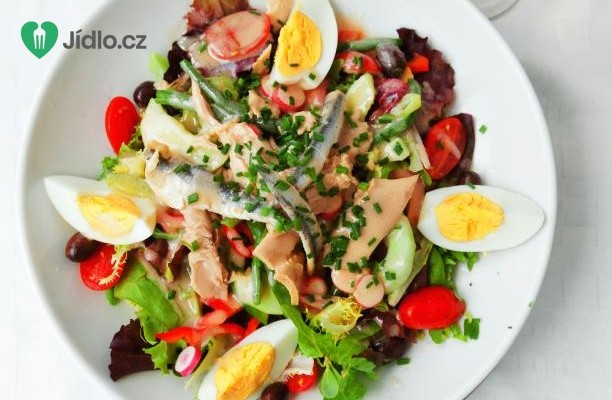 Francouzský nicoise salát s tuňákem recept