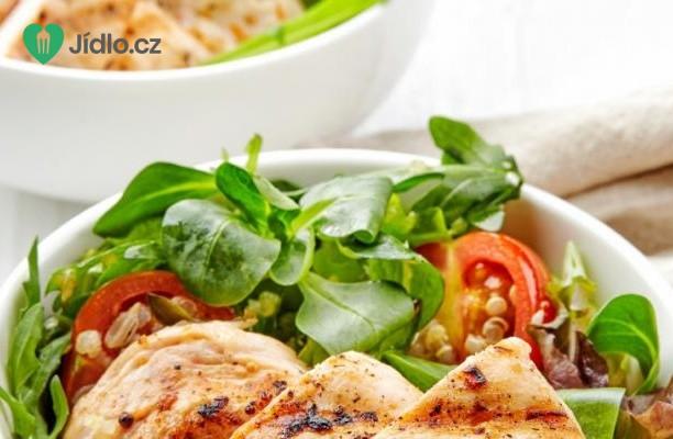 Grilované kuřecí maso se zeleninovou miskou recept
