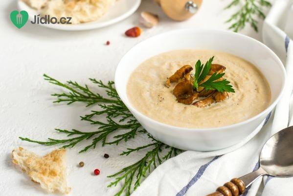 Houbová polévka z lišek obecných recept