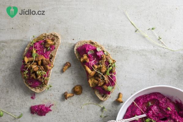 Hummus s červenou řepou a ricottou recept